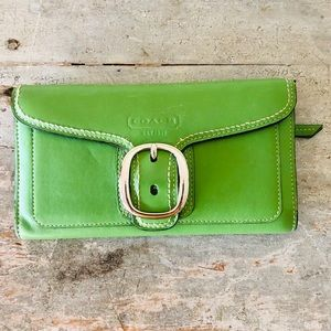 ♥️ Coach ♥️ Green Leather Wallet